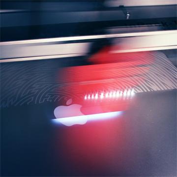 laser_macbook_shoot_360_3